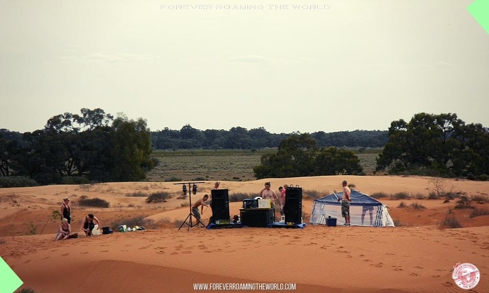 Backpacking without money post - Forever Roaming the World - Pic 2