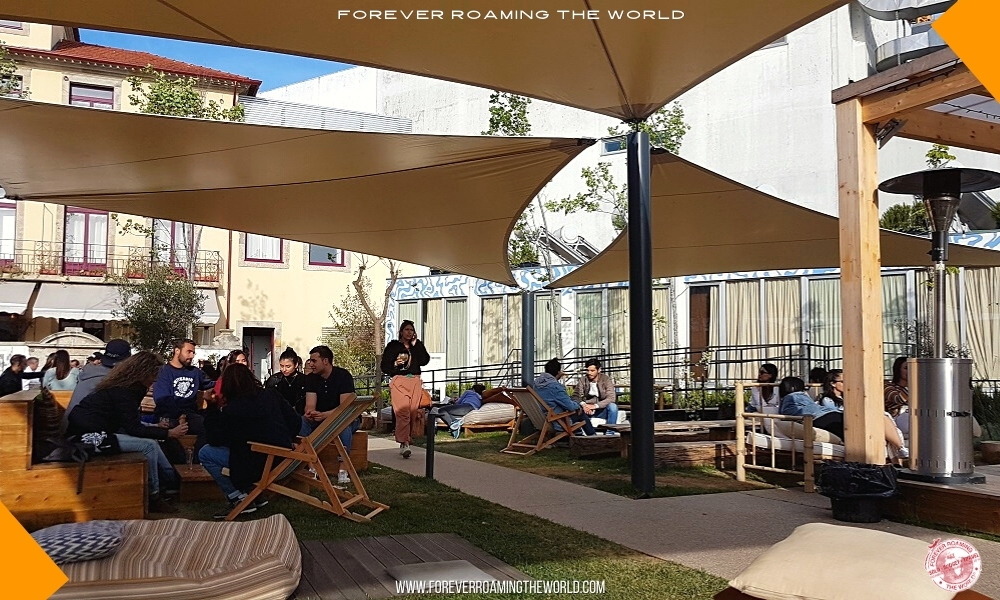 Backpacker hostel bubble blog post - Forever Roaming the World - pic 2