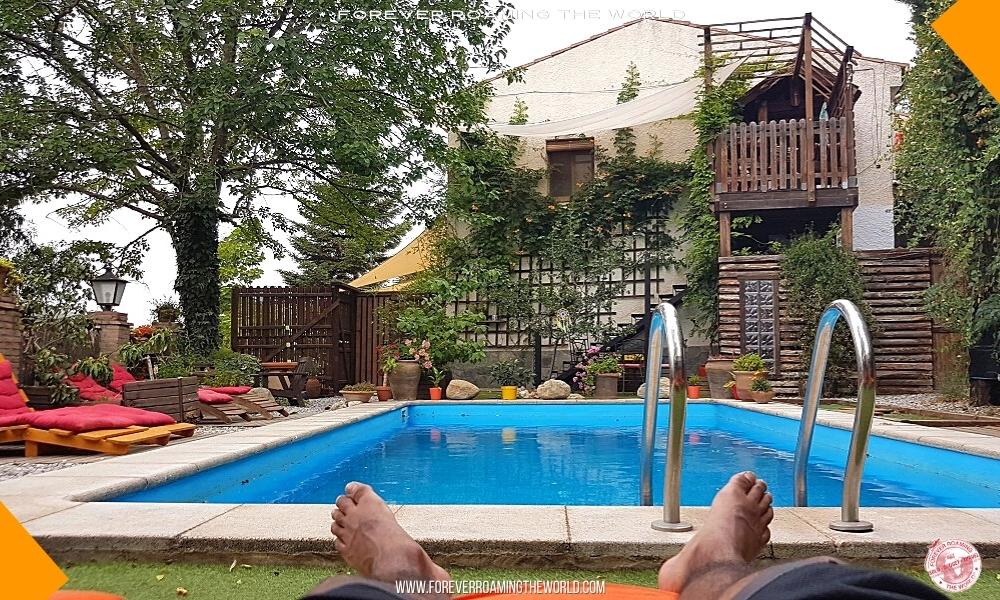Backpacker hostel bubble blog post - Forever Roaming the World - pic 8