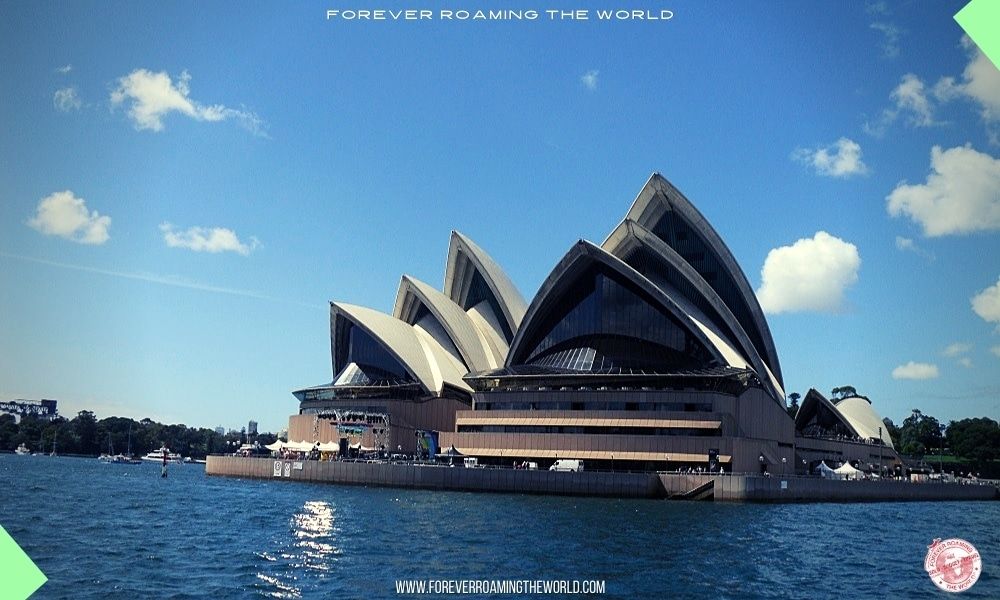Backpacking Australia east coast overview - Forever Roaming the World pic 1