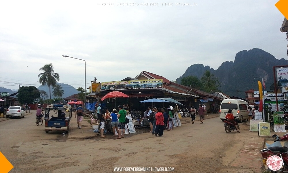 Backpacking Laos overview - Forever Roaming the World - pic 3